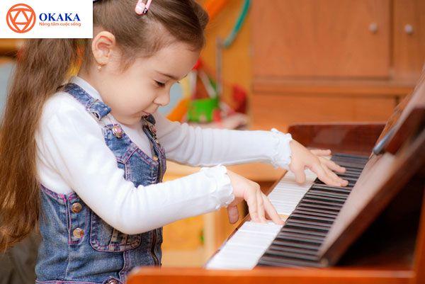 4-6 tuổi là giai đoạn quan trọng trong quá trình phát triển của trẻ. Giai đoạn này, thính giác của bé phát triển nhanh chóng để tạo nền tảng cho sự phát triển ở giai đoạn sau. Do đó, giúp trẻ hoàn thiện thính giác thời điểm này vô cùng thiết yếu đối với các bậc phụ huynh.