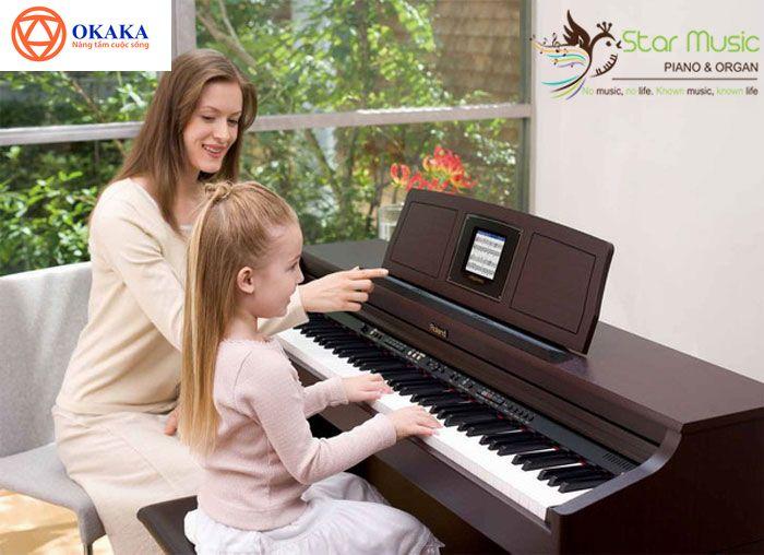 Học đàn organ với bé không chỉ là phương pháp giúp trẻ nhanh chóng nắm bắt kiến thức âm nhạc một cách dễ dàng mà còn là cách giúp các mẹ vừa tiết kiệm thời gian vừa tăng hiệu quả học tập cho các bé. Mẹ học đàn organ cùng con, tại sao không chứ?