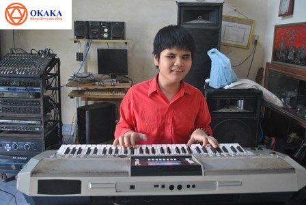 ..phương pháp dạy đàn organ cho trẻ khiếm thị phải thực sự khoa học và phù hợp với các bé thì việc giúp trẻ chơi đàn organ thành thục chỉ là vấn đề..