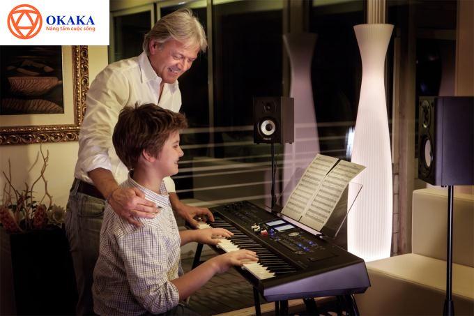Roland là một trong những thương hiệu đàn organ nổi tiếng, được người tiêu dùng tin cậy lựa chọn nhất hiện nay. Giá Đàn Organ Roland khá cao nhưng đây thực sự là lựa chọn lý tưởng cho các nhạc công chuyên nghiệp.