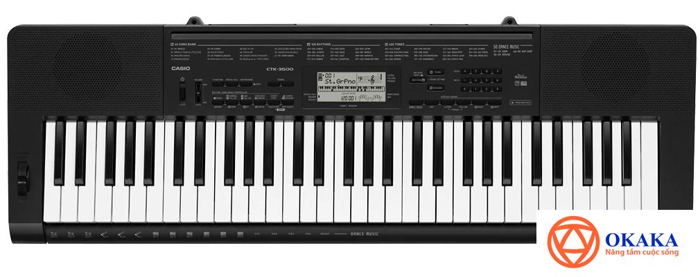 Là anh em của model CTK-3200 rất đáng đầu tư cho người mới học, đàn organ Casio CTK-3500 tuy sinh sau đẻ muộn nhưng hội tụ nhiều tính năng mới hấp dẫn hơn.